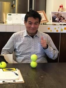 金川さん 講義風景 テニスボール積み 楽読京橋 集中力ベーシック講座 阿部洋太郎