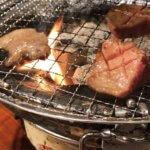 美味しいお肉を食べると幸せになれる。